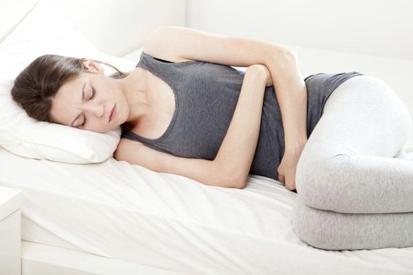 ngạc nhiên với hiệu quả của việc đắp bông vào rốn trước khi đi ngủ