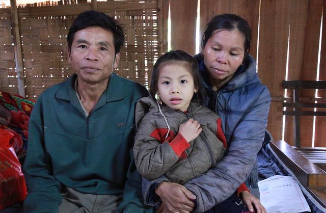 xót thương hoàn cảnh bé gái 5 tuổi tim bẩm sinh bị bố mẹ bỏ rơi