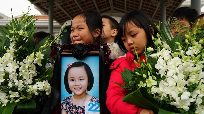 ca hiến giác mác của cô bé 7 tuổi tại hà Nội, bé Hải An