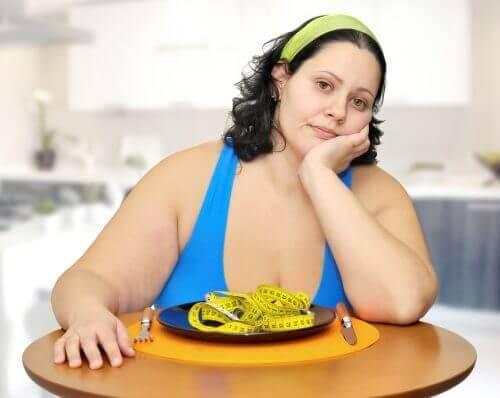 cảnh báo nguy cơ từ việc nhịn ăn thanh lọc cơ thể