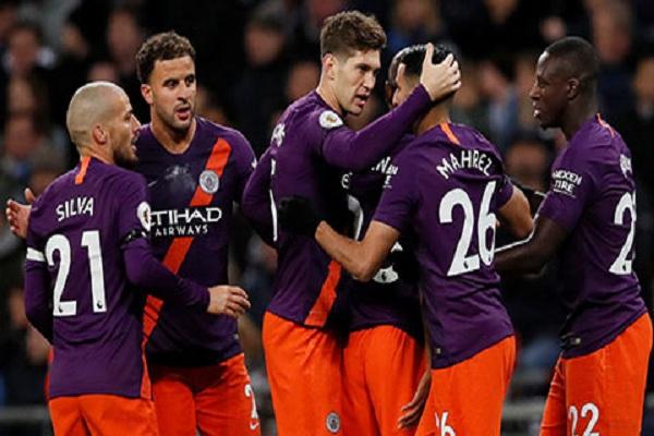 Man City trong trận thắng Tottenham