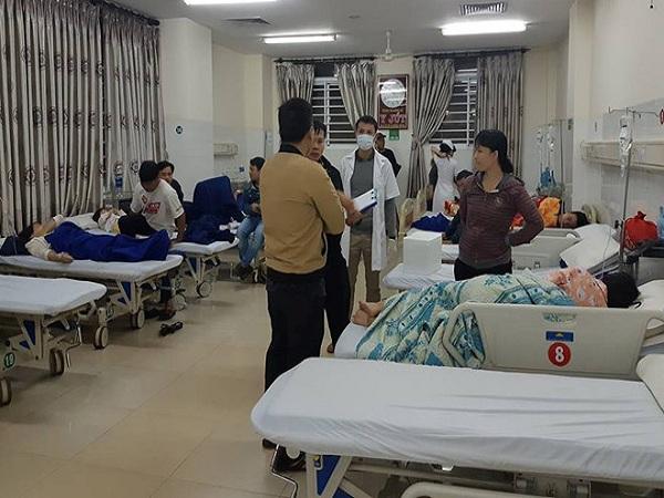 200 người nhập viện cấp cứu khi ăn bánh mì ở Buôn Ma Thuột