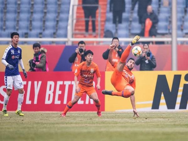 Quang Hải thua tan nát trước CLB Trung Quốc