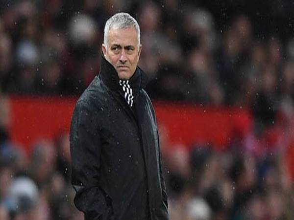 Mourinho chuẩn bị tới Dortmund