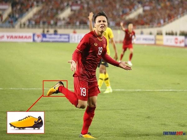 Quang Hải sử dụng giày đá bóng nào