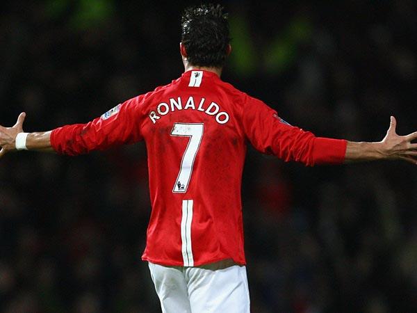 Tin chuyển nhượng tối 26/4 : Chốt giá đón Ronaldo