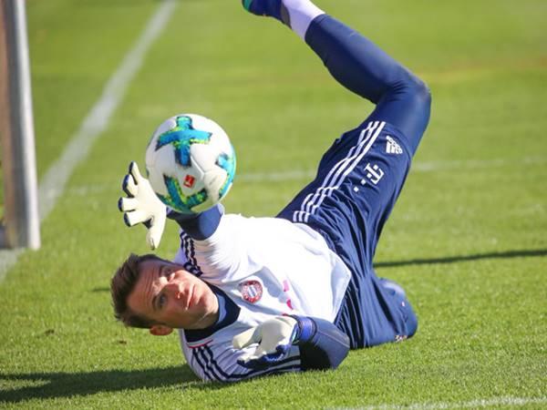 Kỹ thuật bắt bóng cơ bản hiệu quả dành cho thủ môn